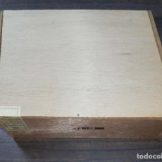 Cajas de Puros: CAJA DE PUROS CERRADA. WILDE HABANA. 1968. VER FOTOS. MEDIDAS : 17.5 X 13 X 5.5 CM APROX.. Lote 178642535