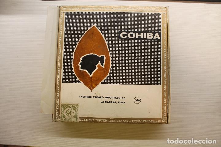 CAJA DE PUROS COHIBA LANCEROS AÑOS 80, CONTIENE CINCO UNIDADES, UNA DE ELLAS ESTROPEADA (Coleccionismo - Objetos para Fumar - Cajas de Puros)