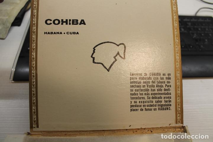 Cajas de Puros: CAJA DE PUROS COHIBA LANCEROS AÑOS 80, CONTIENE CINCO UNIDADES, UNA DE ELLAS ESTROPEADA - Foto 2 - 179111050