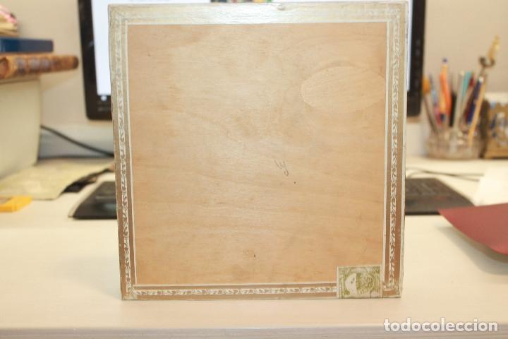 Cajas de Puros: CAJA DE PUROS COHIBA LANCEROS AÑOS 80, CONTIENE CINCO UNIDADES, UNA DE ELLAS ESTROPEADA - Foto 12 - 179111050