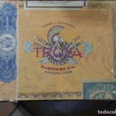 Cajas de Puros: CAJA MADERA FABRICA DE TABACOS TROYA. MARTÍNEZ Y CÍA. HABANA. CUBA.. Lote 183073051