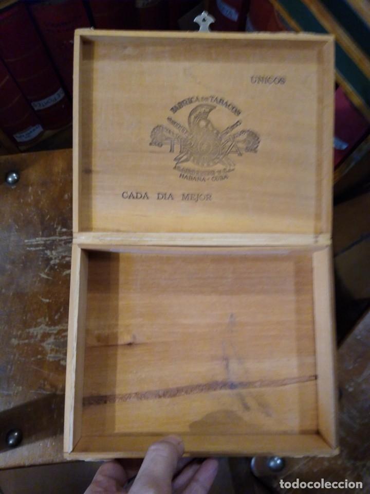 Cajas de Puros: Caja madera fabrica de tabacos Troya. Martínez y cía. Habana. Cuba. - Foto 5 - 183073051