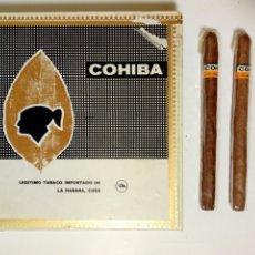 Cajas de Puros: ANTIGUA CAJA DE PUROS HABANOS COHIBA LANCERO CON 2 HABANOS PRECINTADOS DENTRO (+ 1 PANETELA). Lote 184202467