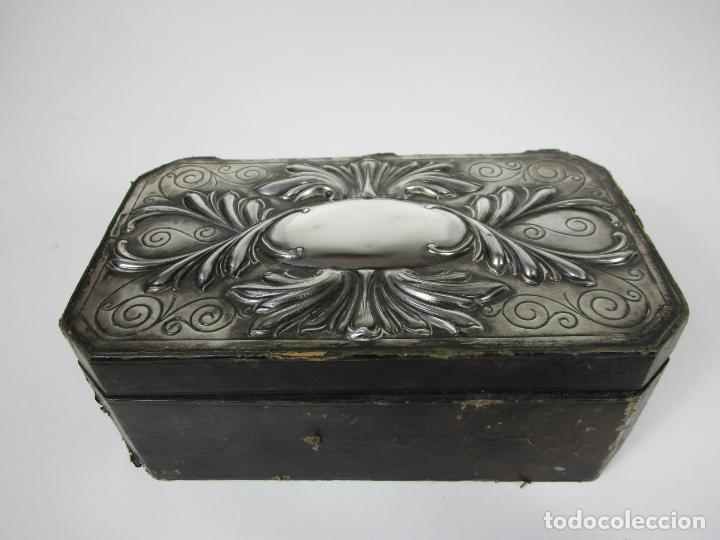 Cajas de Puros: Antigua Caja de Puros - Madera de Cedro, Forrada en Piel - Plata de Ley, Sello Masriera Carreras - Foto 14 - 187555360