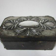 Cajas de Puros: ANTIGUA CAJA DE PUROS - MADERA DE CEDRO, FORRADA EN PIEL - PLATA DE LEY, SELLO MASRIERA CARRERAS. Lote 187555360