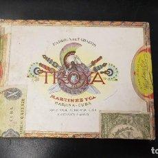 Cajas de Puros: ANTIGUA CAJA DE PUROS VACÍA CON SUS SELLOS TROYA MARTINEZ Y CA HABANA CUBA. Lote 188428001