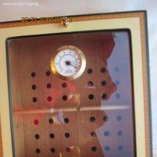 Cajas de Puros: EXPOSITOR HUMIFICADOR DE PUROS VEGAFINA - MADERA ESMALTADA.. Lote 190039521