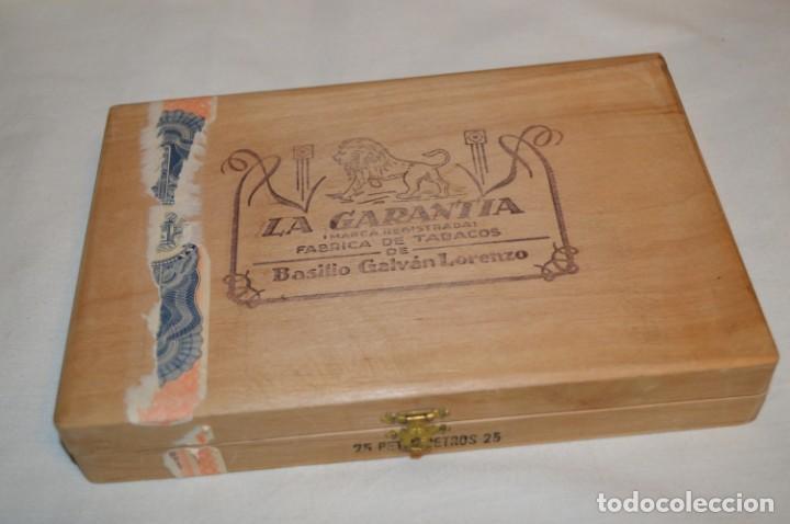 ANTIGUA CAJA DE PUROS / LA GARANTIA 25 PETIT-CETROS 25 / - EN MADERA - PRECIOSA - ¡MIRA! (Coleccionismo - Objetos para Fumar - Cajas de Puros)