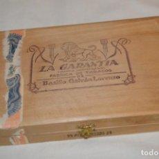 Cajas de Puros: ANTIGUA CAJA DE PUROS / LA GARANTIA 25 PETIT-CETROS 25 / - EN MADERA - PRECIOSA - ¡MIRA!. Lote 191196766