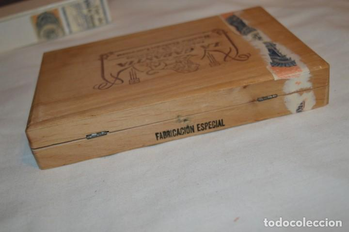 Cajas de Puros: ANTIGUA CAJA DE PUROS / La GARANTIA 25 Petit-Cetros 25 / - EN MADERA - PRECIOSA - ¡Mira! - Foto 7 - 191196766