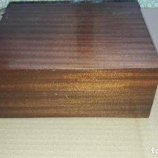 Cajas de Puros: CAJA ESPECIAL PARA PUROS / MADERA NOBLE / CAVA CON HIGOMETRO Y HUMIFICADOR. Lote 191976790