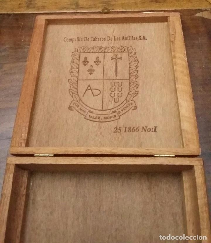 CAJA DE PUROS DE MADERA. COMPAÑIA DE TABACOS DE LAS ANTILLAS,S.A. VACIA. (Coleccionismo - Objetos para Fumar - Cajas de Puros)