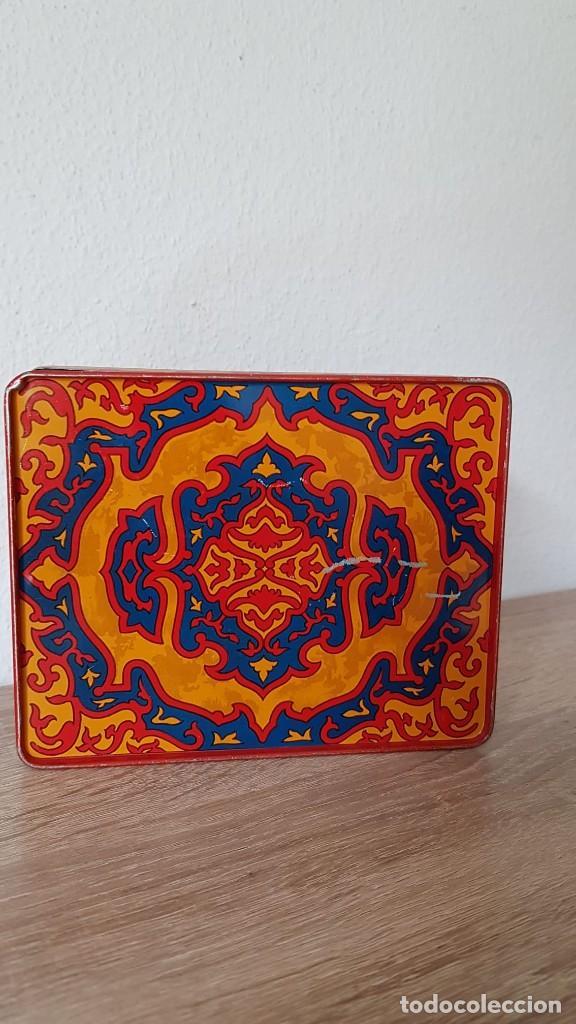 Cajas de Puros: Antigua caja de tabaco/cigarrillos orientales años 40-50 echa de de metal, Marca sellada TURMAC - Foto 2 - 194121700