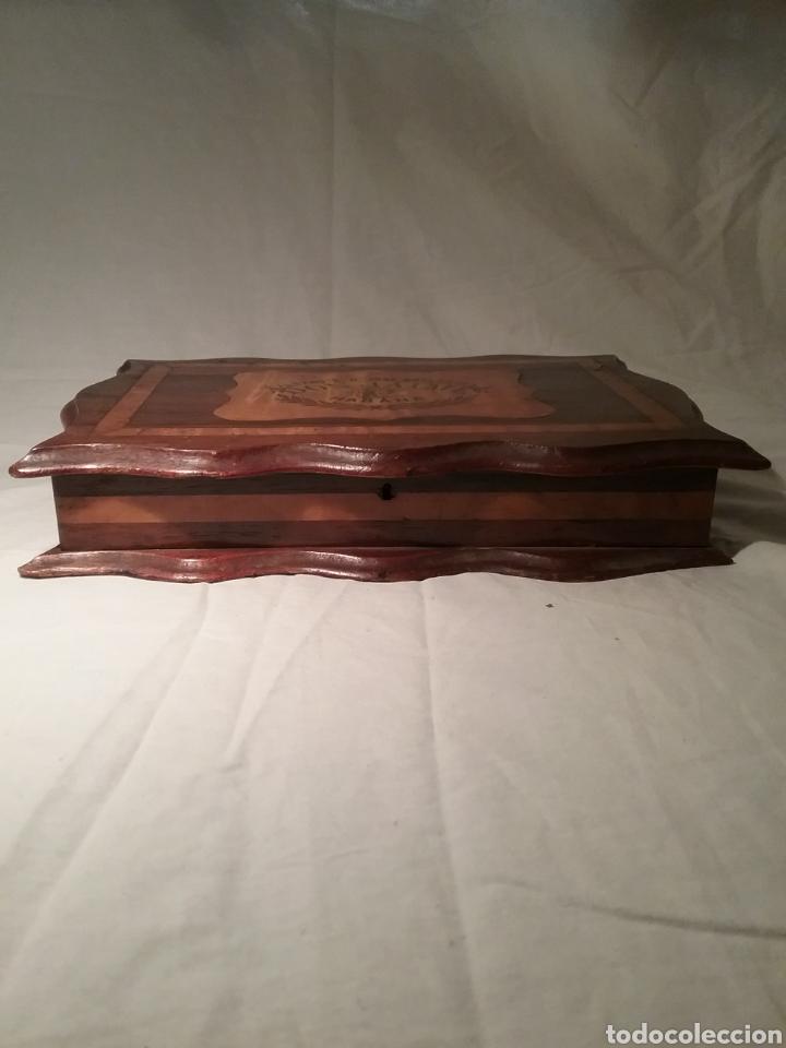 Cajas de Puros: Espectacular caja de puros de madera con marqueteria para don José Gallostra, ministro de Hacienda - Foto 4 - 194661305