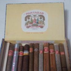Cajas de Puros: ANTIGUA CAJA PUROS HABANOS PARTAGAS CON PUROS CUBA.. Lote 194907210