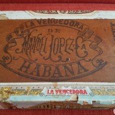 Cajas de Puros: ANTIGUA CAJA DE PUROS LA VENCEDORA DE MANUEL LOPEZ HABANA 1900S. Lote 195180530