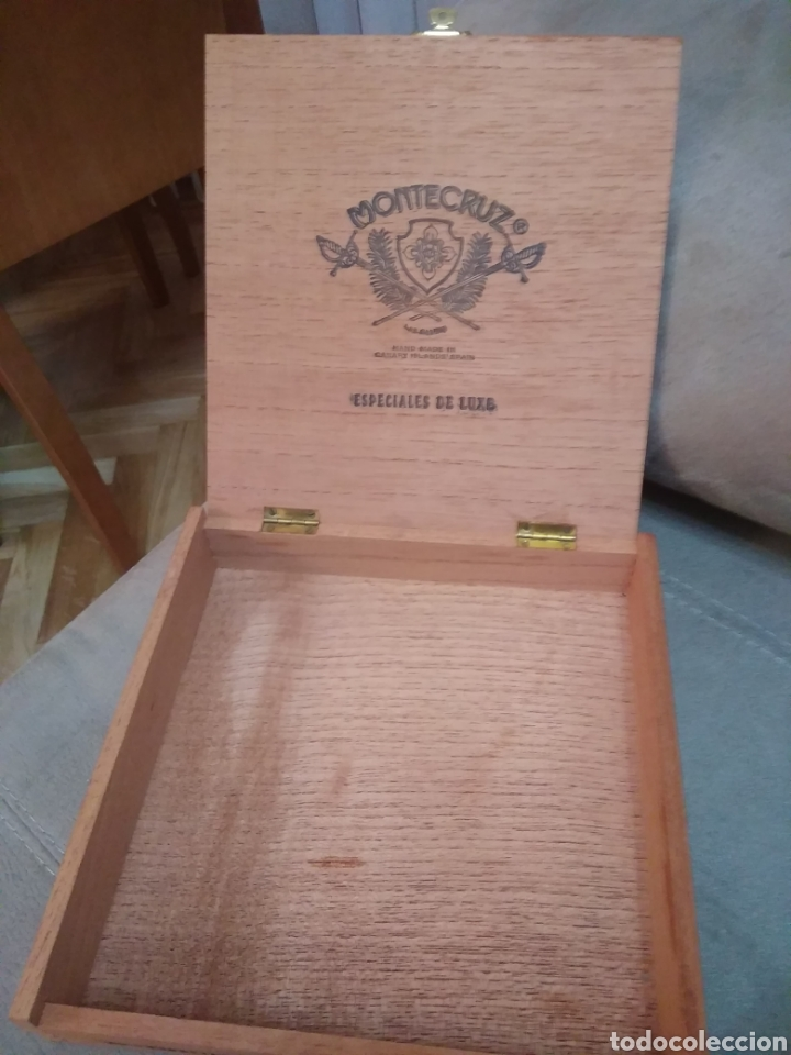 CAJA DE MADERA DE PUROS 25 ESPECIALES DE LUXE, DE LA MARCA MONTECRUZ. COMPAÑÍA INSULAR TABACALERA (Coleccionismo - Objetos para Fumar - Cajas de Puros)