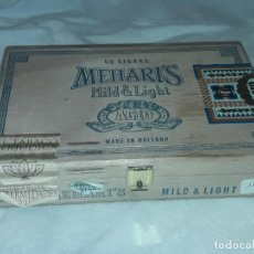Cajas de Puros: BELLA CAJA DE MADERA 50 CIGARS MEHARI´S MILD & LIGHT HOLLAND CON SELLOS ORIGINALES VACÍA. Lote 197241853