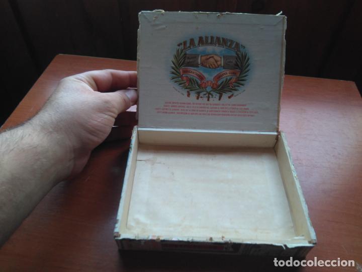 Cajas de Puros: LOTE DE 10 ANTIGUAS CAJAS DE PUROS Y PUROS - VEA LAS FOTOGRAFIAS - Foto 26 - 203109497