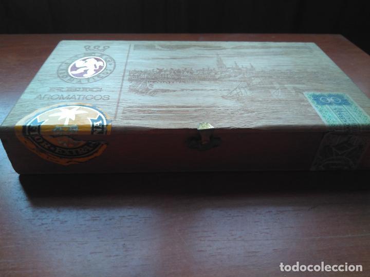Cajas de Puros: LOTE DE 10 ANTIGUAS CAJAS DE PUROS Y PUROS - VEA LAS FOTOGRAFIAS - Foto 29 - 203109497