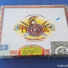 Cajas de Puros: 25 UNIVERSALES, TROYA MARTINEZ Y CA. HABANA CUBA, AÑOS 80 / 90, CAJA VACIA. Lote 205845641