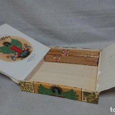 Cajas de Puros: CAJA DE PUROS LOS STRATOS DE LUXE CON 3 PUROS. Lote 211409145