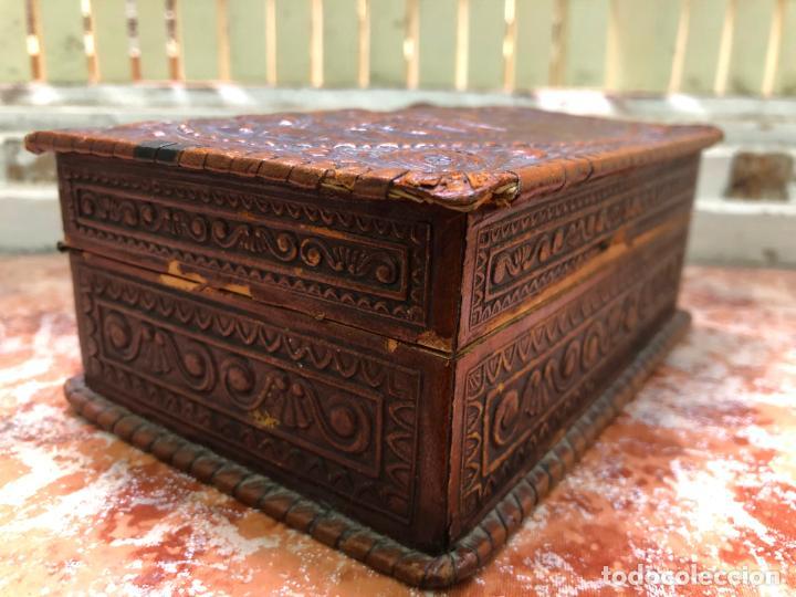 Cajas de Puros: ANTIGUA CAJA PURERA O CIGARRERA EN MADERA Y CUERO - MEDIDA 16,5X11,5X6,5 CM - Foto 4 - 212899138
