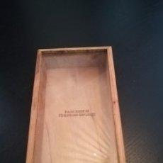 Cajas de Puros: CAJA DE PUROS, EN MADERA Y CRISTAL, CUBA-REP.DOMINICANA CIERRE DE LATÓN. Lote 220251297