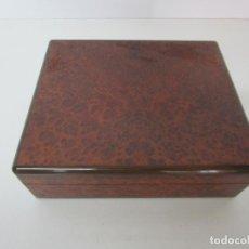 Cajas de Puros: CAJA DE PUROS CON HUMIDIFICADOR - MADERA FORRADA CON RAÍZ. Lote 220851735