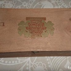 Cajas de Puros: ANTIGUA CAJA DE PUROS DE MADERA MARCA JOSE HERRERA Y TALAVERA AÑOS 50-60. Lote 222377875
