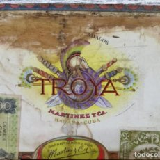 Cajas de Puros: ANTIGUA CAJA DE PUROS HABANOS TROYA 25 UNIVERSALES (PRECINTADA). Lote 234529390