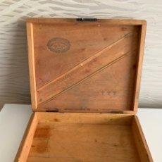 Cajas de Puros: CAJA DE PUROS. HOYO DE MONTERREY. JOSE GENER. MADERA PRE-EMBARGO. Lote 235103225