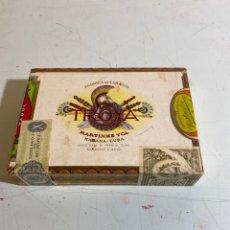 Cajas de Puros: CAJA DE PUROS DE 25 UNIVERSALES DE LA FÁBRICA TROYA DE MARTINEZ Y CÍA, HABANA CUBA, SIN ABRIR.. Lote 235804885