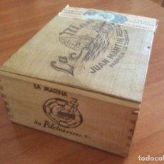 Cajas de Puros: CAJA DE PUROS LA MARINA 50 PILOTOS EXTRA JUAN MARTIN PEREZ ISLAS CANARIAS. VACÍA. Lote 245606430