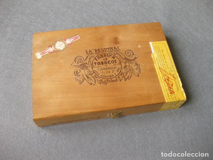 CAJA CON 12 PUROS DE LA FÁBRICA DE TABACOS Y CIGARRILLOS DE JOSÉ HERRERA LA REGIONAL. LAS PALMAS (Coleccionismo - Objetos para Fumar - Cajas de Puros)