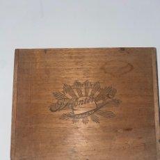 Cajas de Puros: CAJA DE PUROS J.MONTERO. Lote 260566215