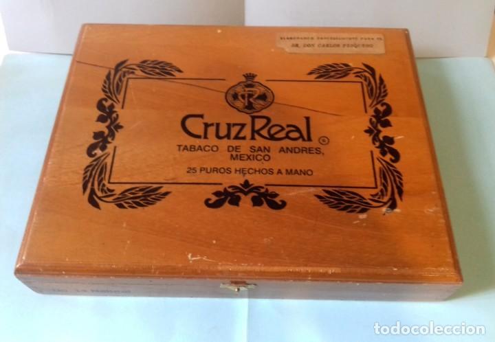 CAJA DE MADERA DE 25 PUROS CRUZREAL TABACO DE SAN ANDRES , MEXICO. SE VENDE VACÍA. 27X21X5 CM (Coleccionismo - Objetos para Fumar - Cajas de Puros)