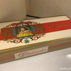 Cajas de Puros: CAJA DE 25 CIGARROS O PUROS, DIPLOMATES, TODAVIA PRECINTADA. VER FOTOS. Lote 268603329