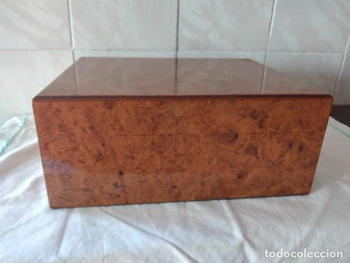 HUMIDIFICADOR DE PUROS GUY JANOT, MADERA DE RAÍZ . (Coleccionismo - Objetos para Fumar - Cajas de Puros)