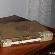 Cajas de Puros: CAJA VACIA ROMEO Y JULIETA 10 CHURCHILLS ALUMINUM TUBES MUY ANTIGUA SELLOS FRANQUISTAS. Lote 287849588