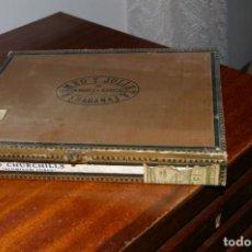 Cajas de Puros: CAJA VACIA ROMEO Y JULIETA 10 CHURCHILLS ALUMINUM TUBES MUY ANTIGUA SELLOS FRANQUISTAS. Lote 287849953