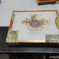 Cajas de Puros: PRECINTADA-TROYA 25 UNIVERSALES-MARTINEZ CIA-ANTIGUA CAJA -HABANA CUBA-PUROS TABACO CIGARROS CLAROS. Lote 293178453