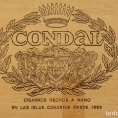 Cajas de Puros: TAPADERA DE CAJA DE MADERA CON PRECIOSO ANAGRAMA ESCUDO LAUREADO Y CORONA DE CONDAL CIGARROS PUROS. Lote 297107708