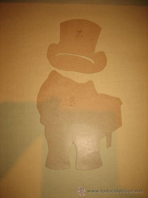 Coleccionismo Recortables: ANTIGUO MONO RECORTABLE DE VESTIR 2 VESTIDOS LEER DESCRIPCION - Foto 5 - 32895175