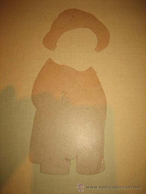Coleccionismo Recortables: ANTIGUO MONO RECORTABLE DE VESTIR 2 VESTIDOS LEER DESCRIPCION - Foto 7 - 32895175
