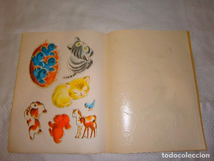 Coleccionismo Recortables: EN LA GRANJA CORTA, PEGA Y PINTA *IMPRESO EN ITALIA Y DISTRIBUIDO EN BARCELONA* *CASTELLANO AÑOS 50* - Foto 11 - 93138885