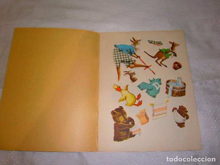 Coleccionismo Recortables: EN EL ALEGRE PARQUE ZOOLÓGICO *IMPRESO EN ITALIA Y DISTRIBUIDO EN BARCELONA* *CASTELLANO AÑOS 50* - Foto 2 - 93139245