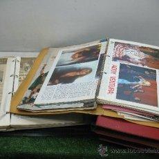 Coleccionismo Recortables: LOTE DE 5 CARPETAS CON RECORTABLES DE REVISTAS Y PERIÓDICOS ANTIGUOS. Lote 39187479