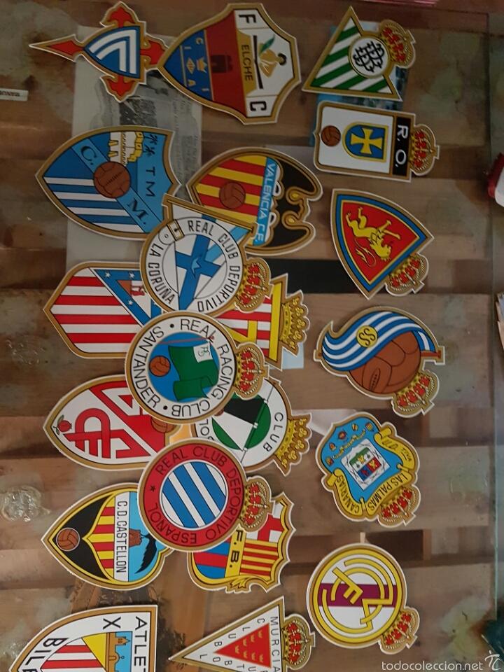 Coleccionismo Recortables: Lote de coleccionables escudos de fútbol. Coches.castillos.etc.... - Foto 2 - 58272226