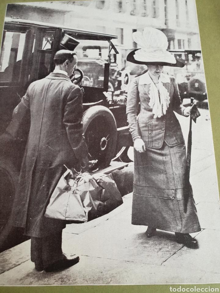 Coleccionismo Recortables: La reina recogiendo las tiendas - Foto 2 - 119220587
